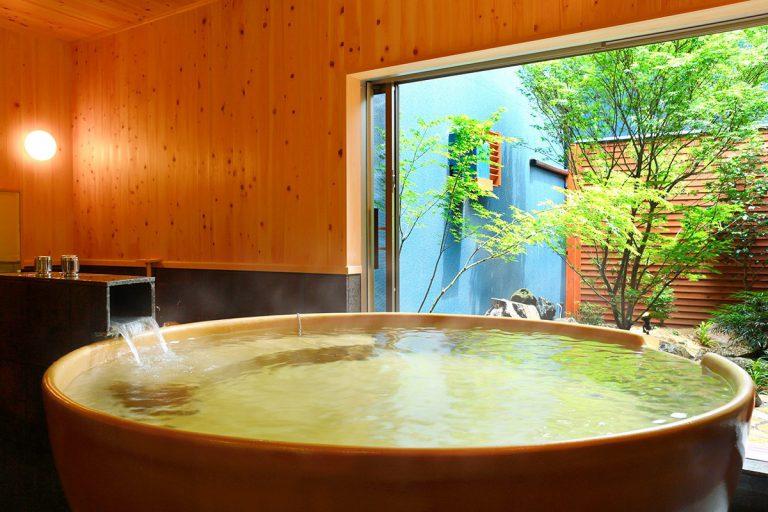 【武】金色のお椀風呂