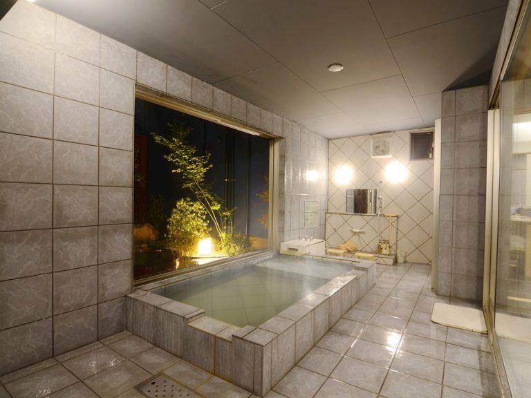【仁】内湯の陶板風呂